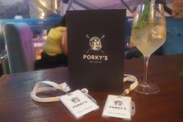 Porky's ski Hutte Liverpool